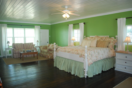 Bedroom on The Green Bedroom   2nd Floor Master Bedroom  The Room Features An